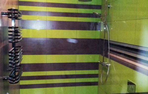 Łazienka, instalacje hydrauliczne, grzejnik dekoracyjny